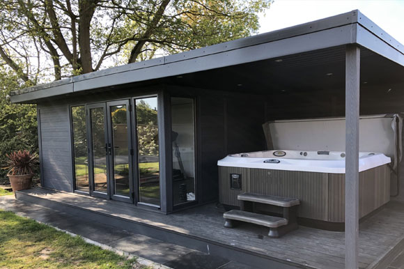 Garden Studio With Hot Tub Under Side Canopy